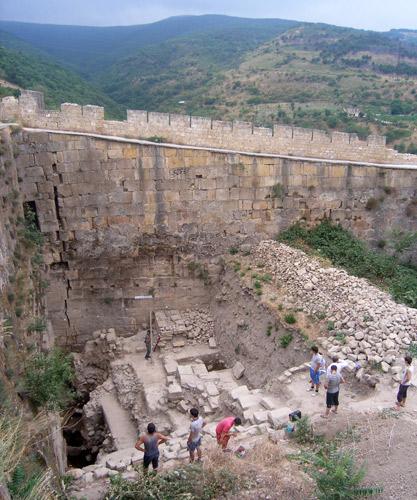 9-Археологические-раскопки-в-Нарын-кале---цитадели-Дербента.jpg