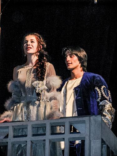 Ромео-и-Джульетта.-Ромео---Х.Курбанов,-Джульетта---З.Чавтараева-(2).jpg
